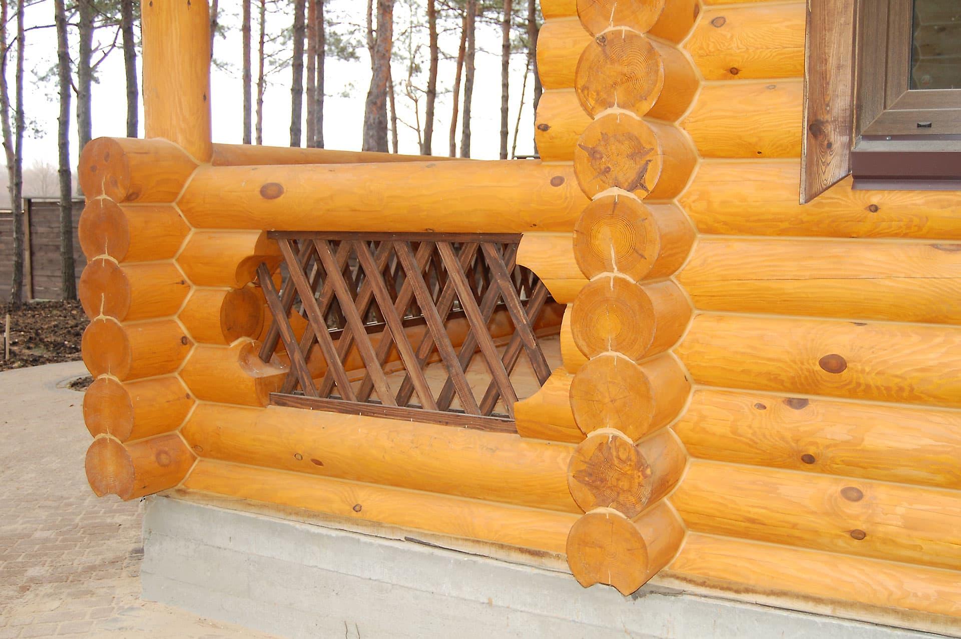 Лазур рrofilan lasol B, колір стін ROG 0200 Сосна, елементи декору в кольорі ROG 0720 Walnut